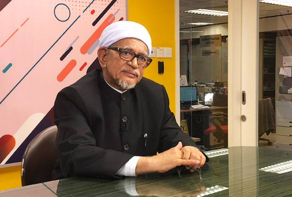 Hadi Awang appointed Prime Minister's special envoy to Middle East | Astro Awani