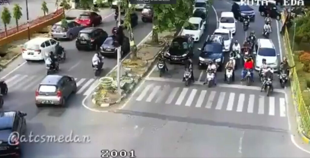 Lihat Bagaimana Polis Trafik Di Indonesia Ajar Pengguna Jalan Raya Jadi Lebih Berhemah 4
